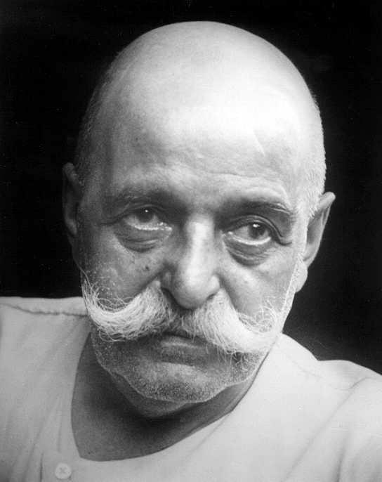 Reunião em Paris no ano 1943 na residência do Sr. Gurdjieff